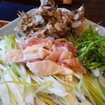 108378811 - 比内地鶏、ねぎ、せり、舞茸