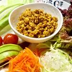 鶏味噌の野菜包み