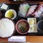 スーパーキッチン かさや - かつお刺身定食(大)1099円