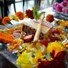 カフェ&ダイニング 桜moon - 料理写真:まわりのお花デコレーションにテンションあがります♪ 真ん中のレインボーアイス?が美味しい♡