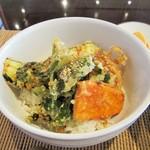 まのび堂 - 野菜天丼。