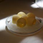 オテル・ドゥ・ミクニ - バターも可愛いね。