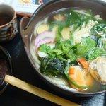 びっくりうどん 三好野 - 「大仏鍋うどん」850円