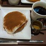 カフェ アンドナンド - ティラミス・アフォガード+コーヒー