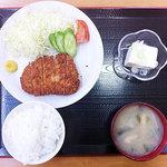 おふくろ亭 - 三元豚とんかつ定食 780円
