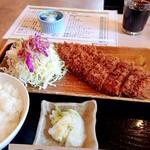 まるいち亭 - 料理写真:とんかつ定食