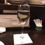 Sauge - 白ワインから…と、見せかけてひや酒。