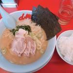 山岡家山形西田店 - 醤油ラーメン+JAFチャーシュー 650円 半ライス 120円