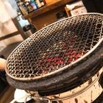 炭火焼肉 華苑 - 七輪