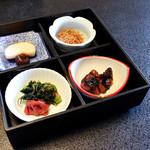 古泉閣 - 漬物と佃煮類