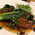 レ・カネキヨ - ボルケッタイタリアーノ 豚バラ肉のロティ・イタリア風 レンズ豆のラグーと相性の良いマスタードソースを添えて