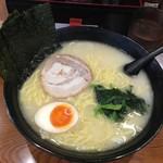 横浜らーめん 一本家 - 塩ラーメン 麺大盛