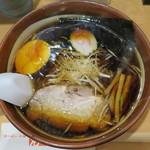 いそちゃん - ブラック醤油ラーメン_850円