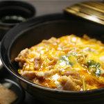 ひな一 - 比内地鶏の半熟とろとろ親子丼980円/出汁、鶏、卵とすべて比内地鶏の究極親子丼!