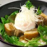 ひな一 - 白金豚の角煮丼980円/箸で崩れる角煮は、鶏が苦手な方に最適の一品です!