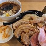 108443917 - 「特製つけ麺(大盛)+チャーシュー増し+とろろ」