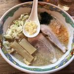 特麺コツ一丁ラーメン - ラーメン 麺半分アブラ多め 700円 ニンニクあり