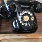 カフェ スワロー - 未だ現役の黒電話