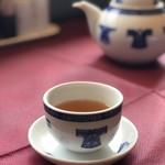 謝朋殿 - ドリンク写真:お茶はポットに入って出てきます。