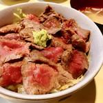 小料理野本 - 和牛ステーキ丼/950円