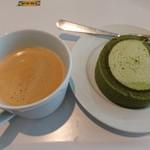 イケア レストラン - 抹茶スフレロール(259円)とドリンクバー