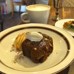 Cafe&Deli COOK - ダブルナッツのガトーショコラ。