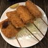 串かつ長居 - 料理写真:右2本が玉ねぎで左2本が串カツ