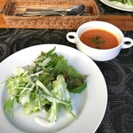 モロッコ料理 ル・マグレブ - サラダとハリラスープ