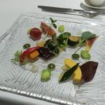 カントニーズ 燕 ケン タカセ - 野菜、ホウレン草ソースとジャガイモソース、バンバンジーソース