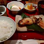 鈴波  - 鈴波定食・寄せ豆腐付き