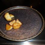 六本木モンシェルトントン -  鉄板で調理した宮崎県佐土原産の茄子、新ジャガイモです。