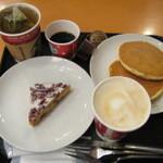 スターバックス・コーヒー - クランベリーブリスバー、バナナのミルクパンケーキとカプチーノ、ジャスミンオレンジ