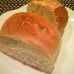 バティチ - バティチランチ 1300円 のパン