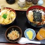 河辺ドライブイン - 海老玉丼と醤油ラーメン