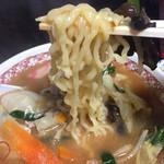 牛乳屋食堂 - 味噌タンメン 中太麺 アップ