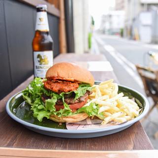 ハンバーガーと合わせて楽しむクラフトビール