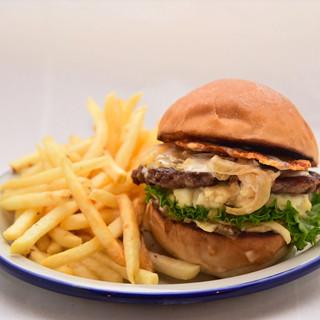 テイクアウトOK!お肉の旨味溢れるハンバーガーをご自宅で♪