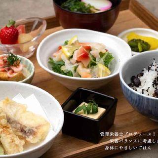 日本生命病院管理栄養士さんとのコラボメニュー