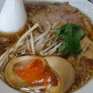 自家製麺中華そば 今里 - 料理写真:中華そば元祖600円+煮たまご150円