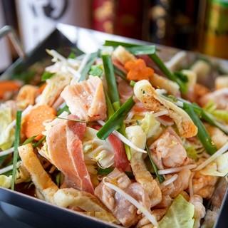 肉も野菜もたっぷり♪大阪名物≪ちりとり鍋≫をここ仙台でも!