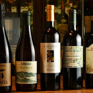 イタリアワインは約100種。ソムリエが最適な1杯をご提案