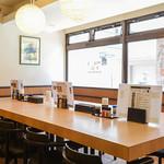 みなみ町食堂 - 大テーブル席