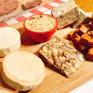【世界のチーズ】いろんな種類のチーズが選べる!!