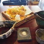 蕎麦+酒=雲母 - かき揚げ(小エビとアオリイカ)