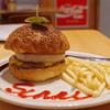 サニープレイス - 料理写真:クラシックバーガー、ポテト