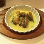 三ツ星屋台 - カキ(広島だけど産地忘れた・・)のゴルゴンゾーラチーズ