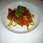 三ツ星屋台 - ベーコンと今日の野菜スパゲッティ(トマトソース)
