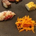 108531147 - ホロふわとろけるフリッタータ、クミンが香るキャロットラペ、ケイパーやベーコン、ハーブが効いたお米のサラダ