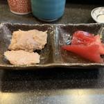 幸寿司 - オマケは豚肉と刺身