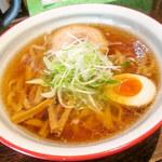 麺屋 蓮 - 醤油ラーメン 平打ち麺